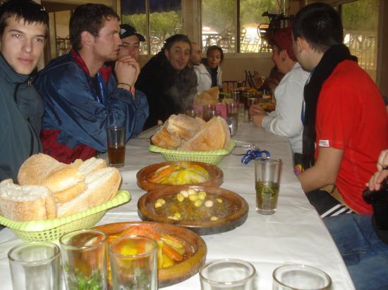 Le restaurant à Boufakrane